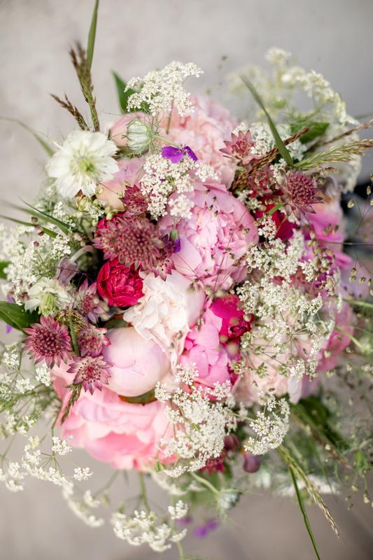 brudbukett irisdals blomsterhandel drömbröllop gotland